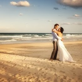Beach Wedding - Newlywed - Wedding Etiquettes - Bride and Groom