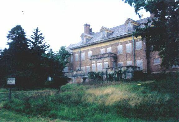 Friday Five: .US Spooky Spots - Felt Mansion