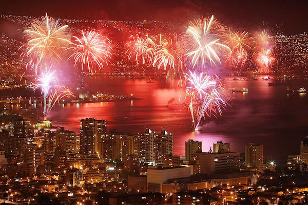 5 Best Places to Celebrate New Years - Valparaiso